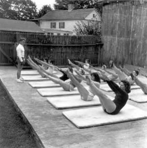 Joseph-Pilates-class-1943-R